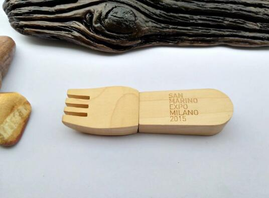 Wooden Fork Shaped USB Flash Drive